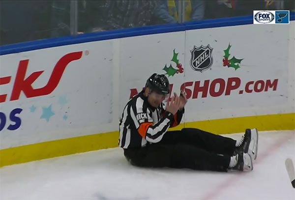 Video Nhl Referee Re Directs Puck Into Net With His Crotch Terez
